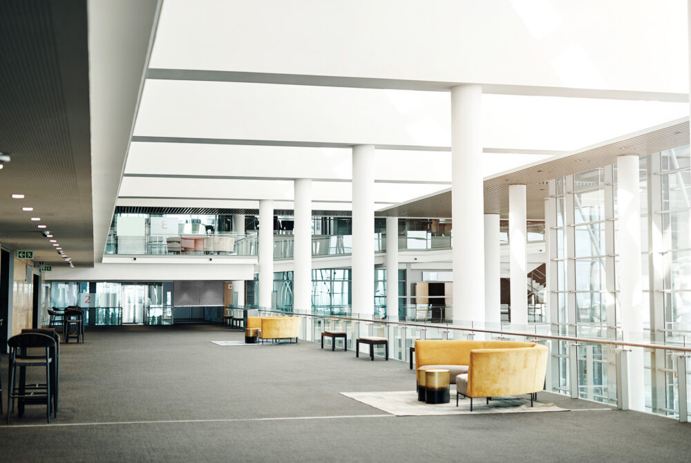 Seating or waiting area in an upper floor of a large building