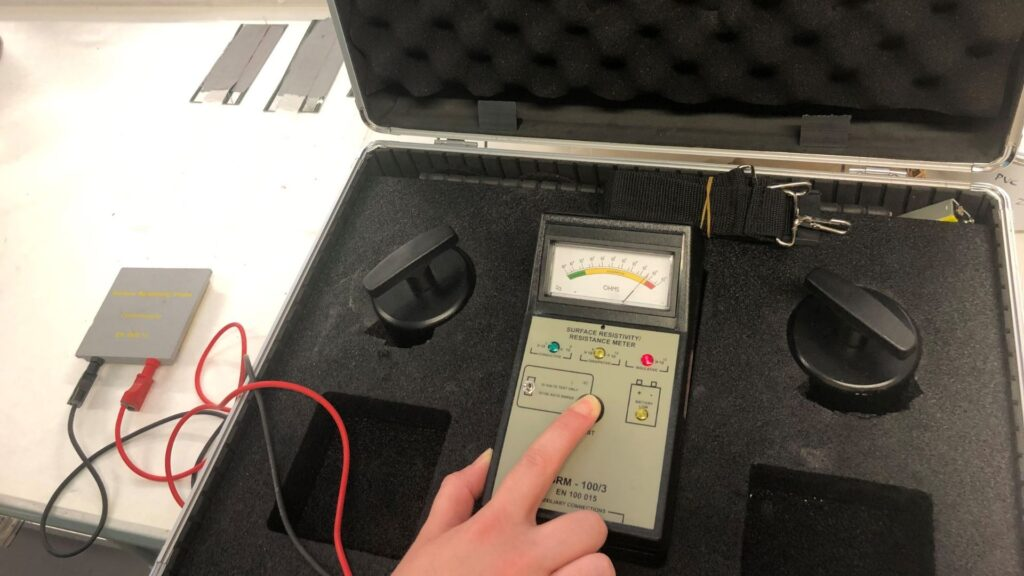 Electrical charge conductivity meter